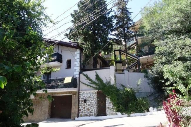 Гостиница Крым,  пгт. Гурзуф, ул. Соловьева