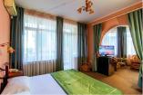 Люкс (С балконом и кроватью размера King-size № 23,33)