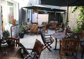 Отдых  в Алуште  п. Приветное  Эллинг - внутренний дворик