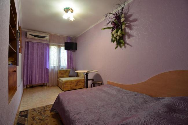 1-комнатный номер (3 чел)  в Алуште