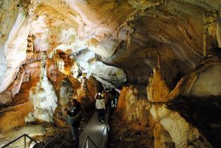 фото: Мраморная пещера в Крыму